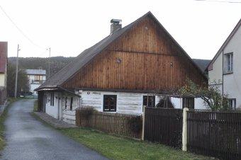 Venkovské usedlosti v Chodově (čp. 40, 70, 71)