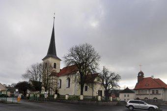 Kostel sv. Petra a Pavla v Holýšově