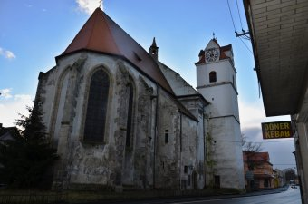 Kostel sv. Apolináře v Horšovském Týně