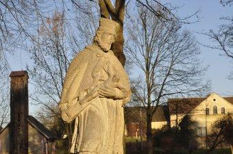 Sochy sv. Jana Nepomuckého a sv. Pavla v Mělnici