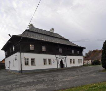 Škola v Milavčích (čp. 1)