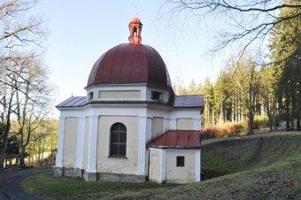 Kaple Bolestné Panny Marie s křížovou cestou u Pocinovic