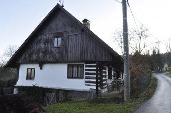 Venkovské usedlosti v Podzámčí (čp. 1, 14, 18, 29)