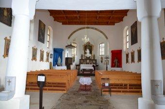 Kostel Nejsvětější Trojice v Srní