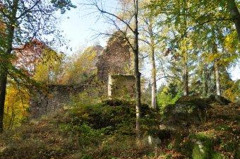 Zřícenina hradu Pajrek u Staré Lhoty