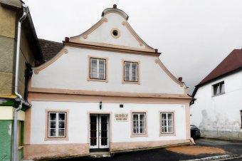 Venkovské domy ve Strážově (čp. 5, 21, 185)