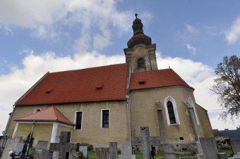 Kostel Nanebevzetí Panny Marie v Týnci