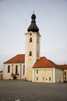 Kostel sv. Mikuláše se zvonicí v Dobřanech