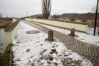 Most v Dobřanech
