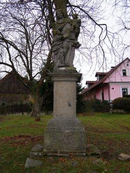 Sochy sv. Antonína Paduánského, sv. Anny a sv. Jana Nepomuckého v Dožicích
