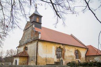Kostel sv. Petra a Pavla v Přestavlkách