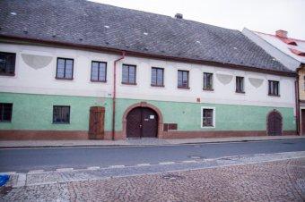 Městské domy ve Spáleném Poříčí (čp. 31, 34, 120, 138, 159, 161)