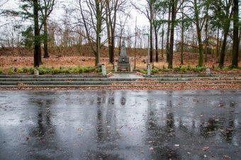 Památník v Háji umučených ve Stodě