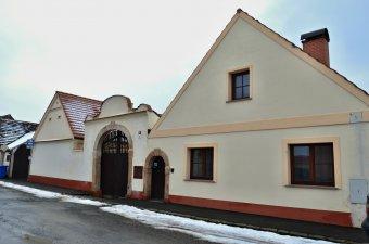 Venkovské usedlosti v Hradišti (čp. 1, 2, 3)