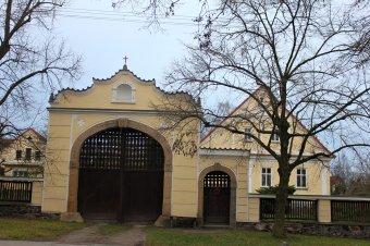 Venkovské usedlosti v Kyšicích (čp. 15, 18, 34)