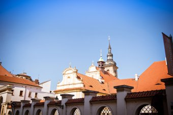 Františkánský klášter s kostelem Nanebevzetí Panny Marie v Plzni (čp. 121)