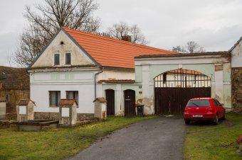 Venkovské usedlosti v Doubravě (čp. 11, 29)