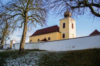 Kostel sv. Petra a Pavla v Křečově