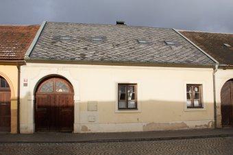 Městské domy v Manětíně (eč. 29, čp. 89, 92, 94, 95, 97, 101, 106, 159, 165)