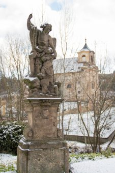 Sochy světců v Manětíně