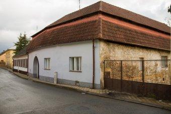 Městské domy v Městě Touškově