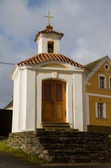 Kaplička Nejsvětější Trojice v Plešnicích