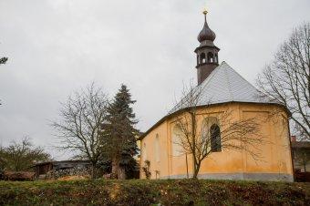 Kostel sv. Anny v Pňovanech