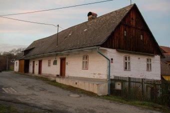 Venkovské domy v Rybnici (čp. 2, 3, 8, 31)