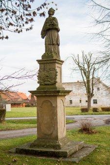 Sochy sv. Vavřince, sv. Floriána a sv. Jana Nepomuckého ve Vysoké Libyni
