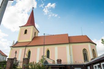 Kostel sv. Jakuba v Drahoňově Újezdě