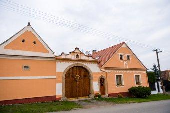 Venkovské usedlosti v Ejpovicích (čp. 1, 2, 3)
