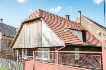 Venkovské usedlosti v Jablečnu (čp. 15, 16, 20)
