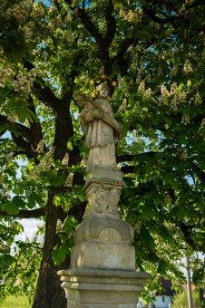 Socha sv. Jana Nepomuckého ve Lhotě pod Radčem