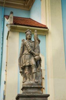 Sousoší Piety a socha anděla v Mirošově
