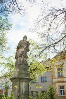 Sochy sv. Jana Nepomuckého a sv. Antonína Paduánského v Mýtě