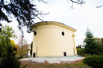 Pohřební kaple Šternberků ve Stupně