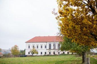 Nový zámek ve Svinné (čp. 1)