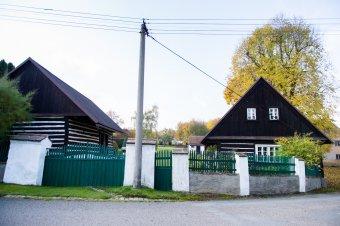 Venkovské usedlosti v Třímanech (čp. 8, 17)