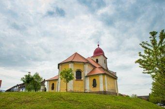 Kostel sv. Bartoloměje ve Volduchách