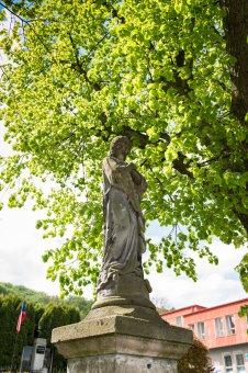 Sochy Panny Marie a sv. Jana Nepomuckého ve Zbirohu