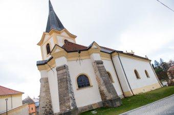 Kostel Nanebevzetí Panny Marie v Bezdružicích