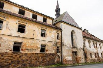 Špitál s kaplí sv. Jana Křtitele v Boru u Tachova (čp. 289)