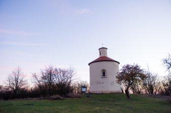 Pomník selské vzpoury na Ovčím vrchu u Kokašic