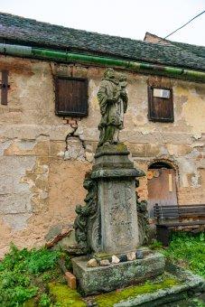 Sochy sv. Antonína Paduánského a sv. Josefa v Michalových Horách