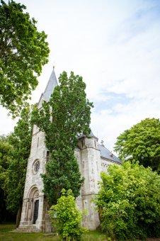 Kostel sv. Anny Samotřetí v Pernolci