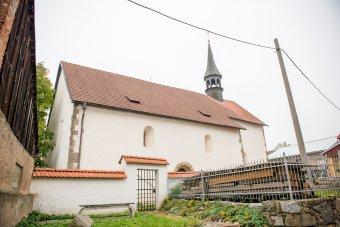 Kostel sv. Petra a Pavla v Plané