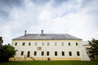 Františkánský klášter s kostelem sv. Maří Magdalény v Tachově
